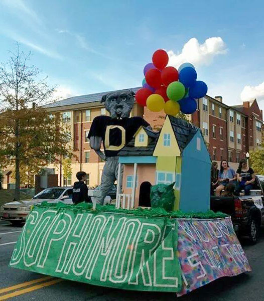 2014 Sophomore Homecoming Float