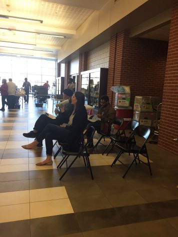 After the network crashed, many donors were unable to give blood and had to return to class because of the delay.