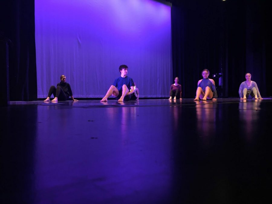 Decatur City Dance prepares contemporary performance