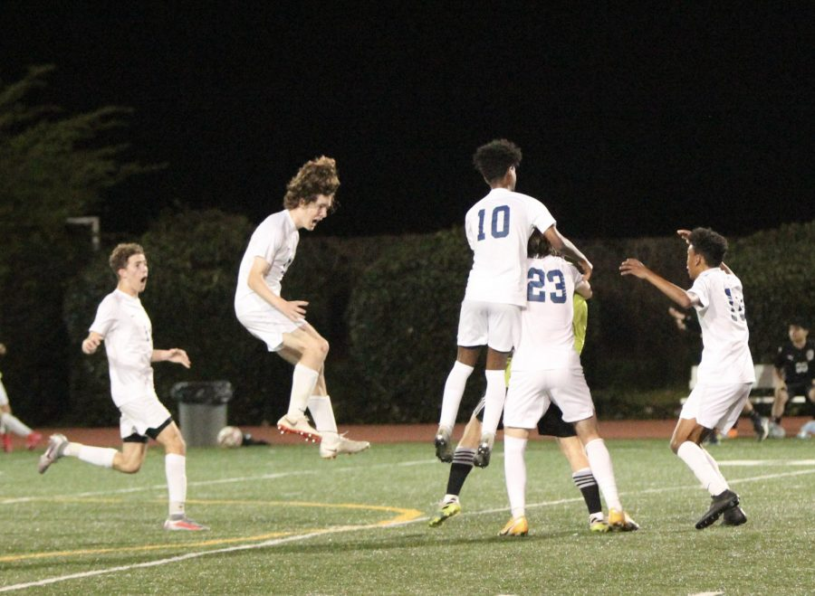 Clay Rosselot scores with 3.8 seconds left, leading boys soccer to State Playoffs
